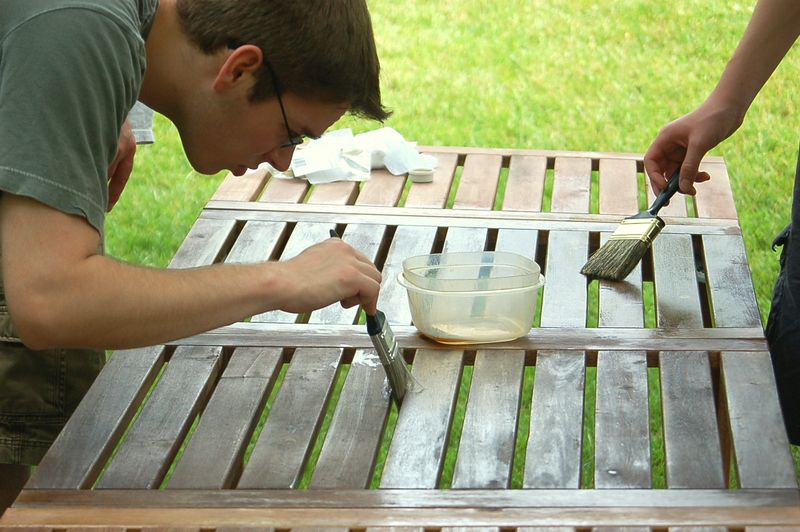 oiling the table