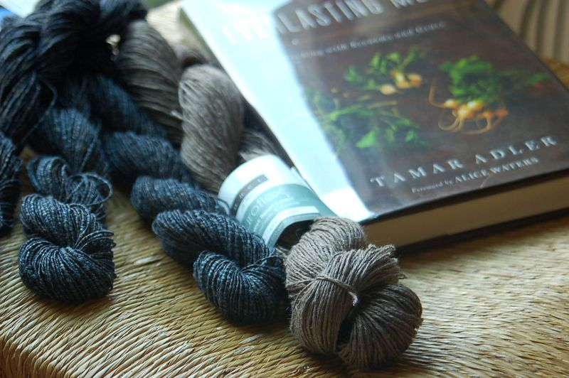 yarn along - new yarns